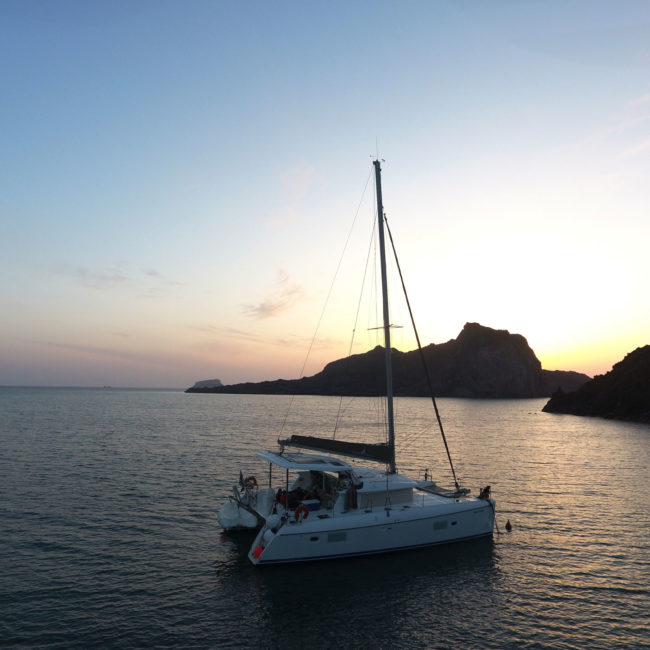 Get the Οffer: Private day or sunset cruise by Wind Spirit (for couples & families)